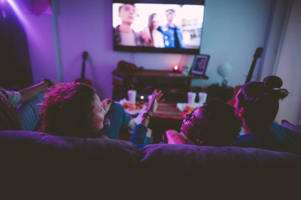 How to Watch Online Movies From Home