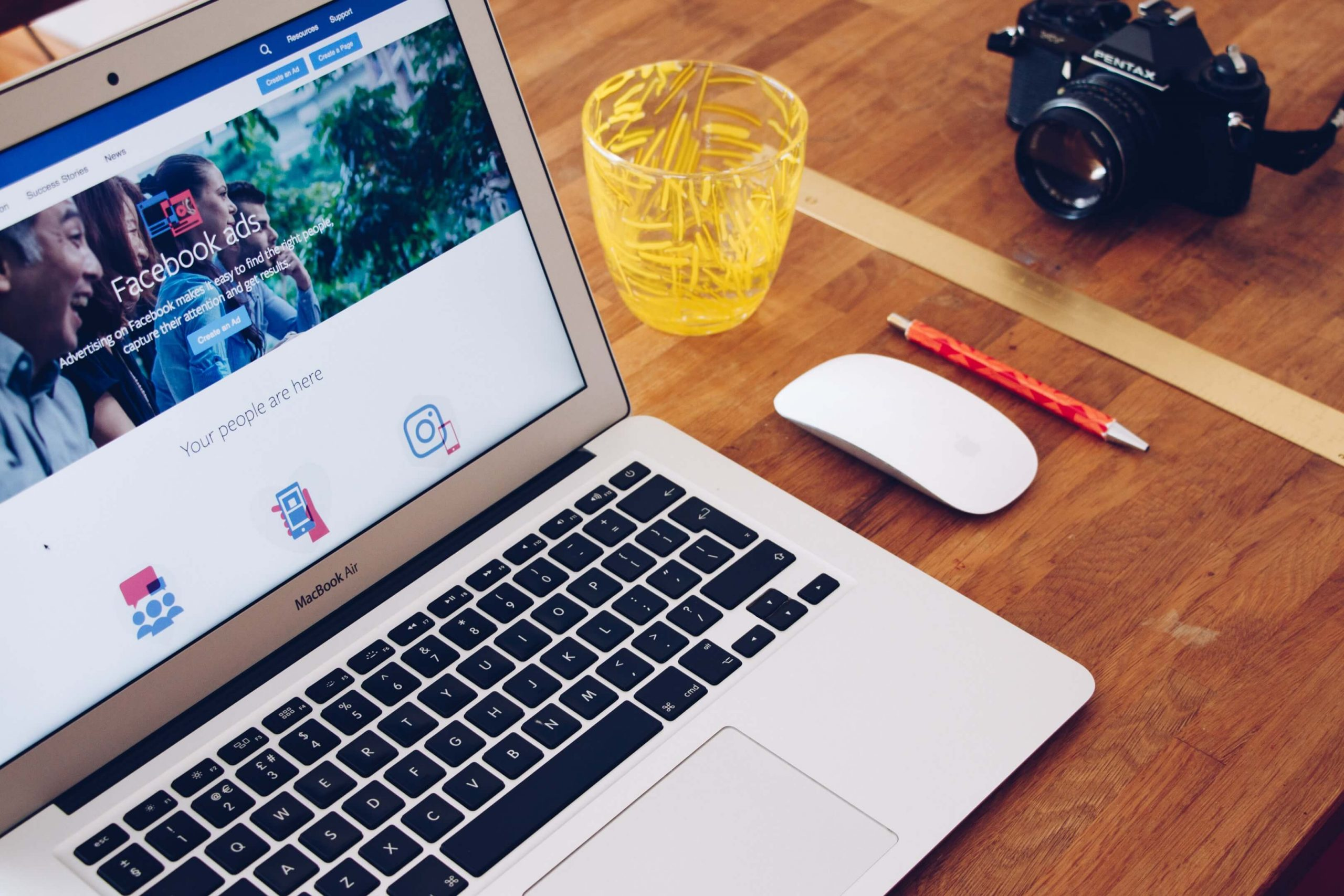 Buy Facebook Photo Likes Cheap from Instant Famous